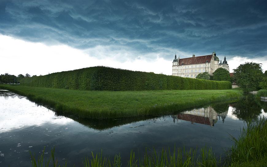 02_Güstrow_Schloss_Schlossgarten_Sommer_Gewitterwolke_DSC4419
