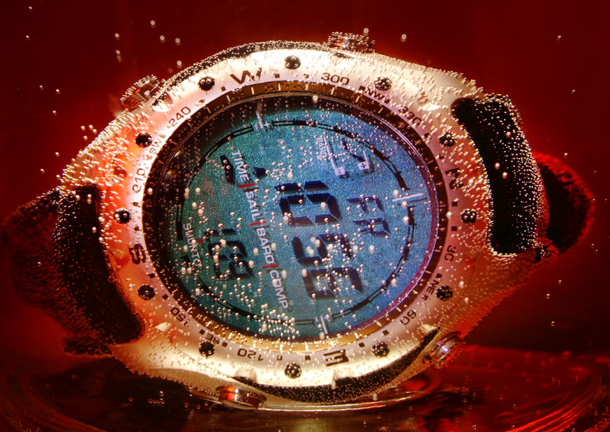 07_Uhr_im_Wasserglas_Luftblasen_004